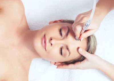 Microdermabrasion-For-Younger-And-Healthy-Looking-Skin
